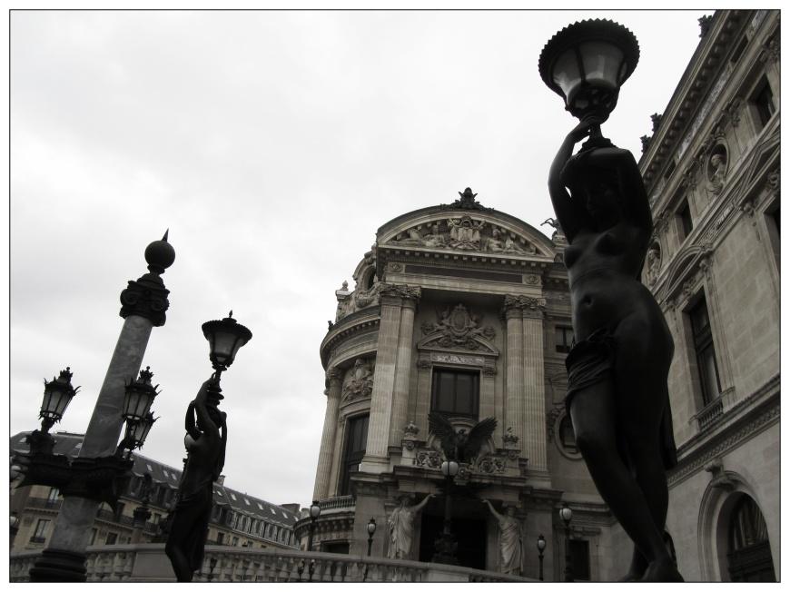 statues de l'opéra garnier à paris
