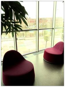 fauteuils face à la sarre